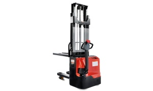 Master 1.5Ton Electric Stacker - master008